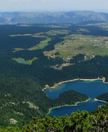 Kuce Lekovica- Crno jezero